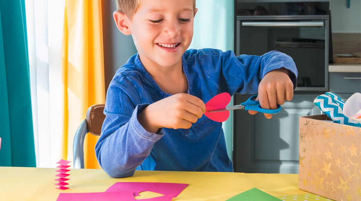 À faire avec votre enfant:des cartes de vœux pop-up